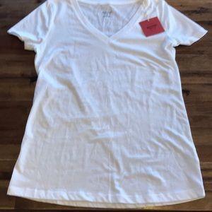 Mossimo v-neck white t-shirt